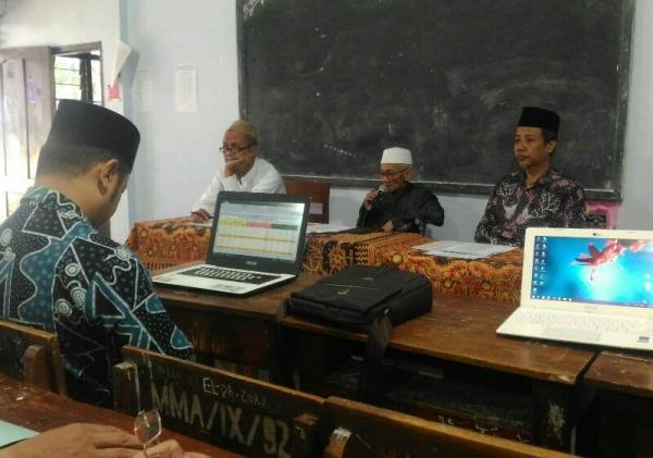 Madrasah Menyelenggarakan Rapat Kenaikan Kelas