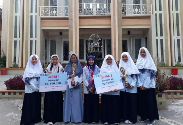Siswa Madrasah Muallimin Muallimat Berhasil Juarai Lomba Da'i dan Olimpiade PAI Jawa Timur