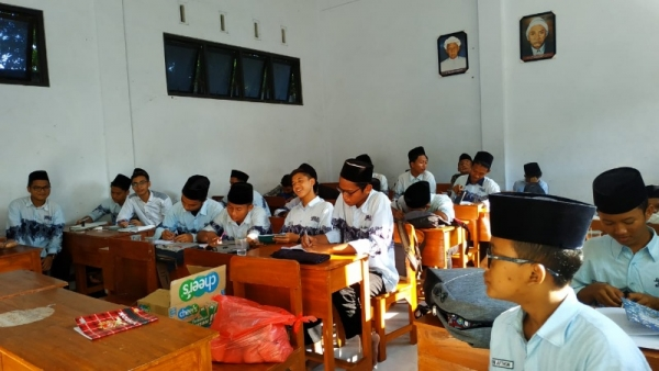 OSIS Muallimin Giatkan Literasi Melalui Diklat jurnalistik