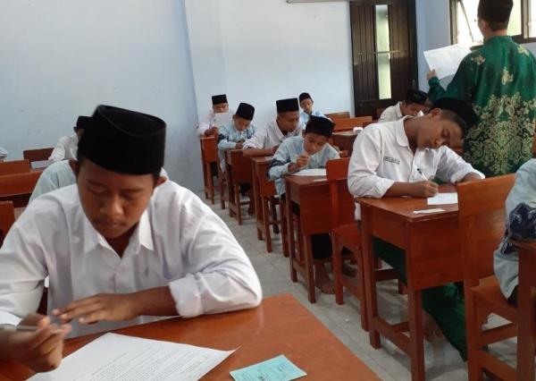 Ujian Penilaian Akhir Semester Gasal 2019/2020