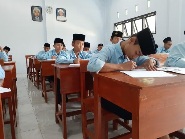 Ujian Penilaian Tengah Semester (PTS) 2019